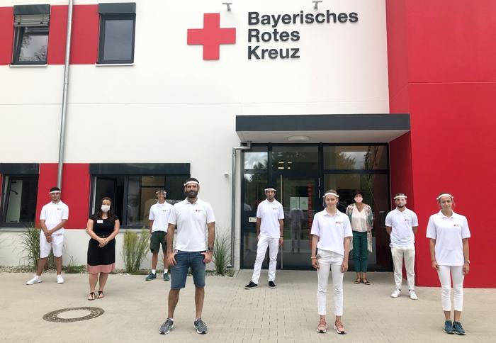Die Werber zusammen mit Tanja Maier (Kreisgeschäftsführung BRK Kreisverband Mühldorf) und Corinna Ölschläger (Ansprechpartnerin für Fördermitglieder des BRK Kreisverbandes Mühldorf).