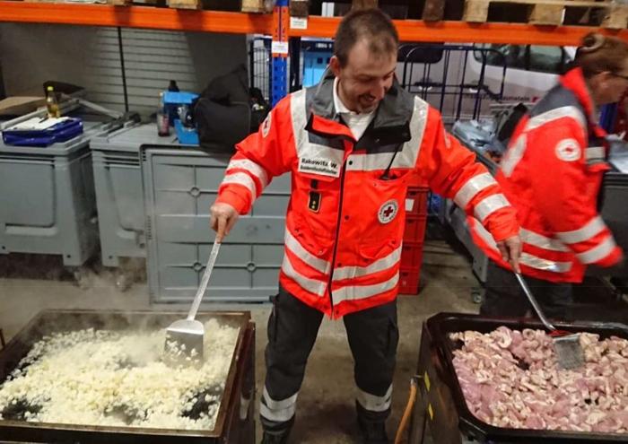 Betreuungszug des BRK Kreisverbandes Mühldorf vor Ort in Traunstein